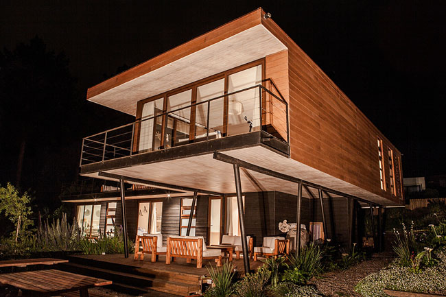 modern house two storey with elegant style in chile mountain hill (10)