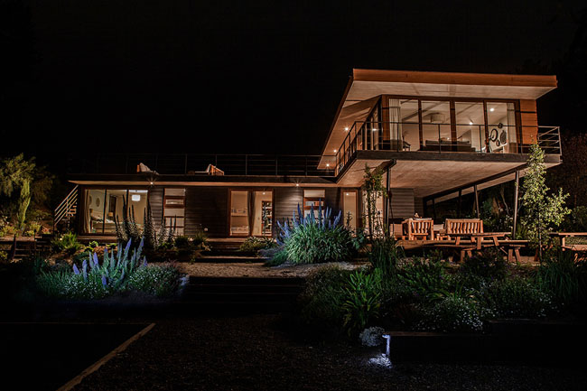 modern house two storey with elegant style in chile mountain hill (11)