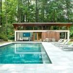 บ้านโมเดิร์นหลังคาแบบเพิงหมาแหงน ออกแบบมาเพื่อการพักผ่อนอย่างสงบ พร้อมสระว่ายน้ำ