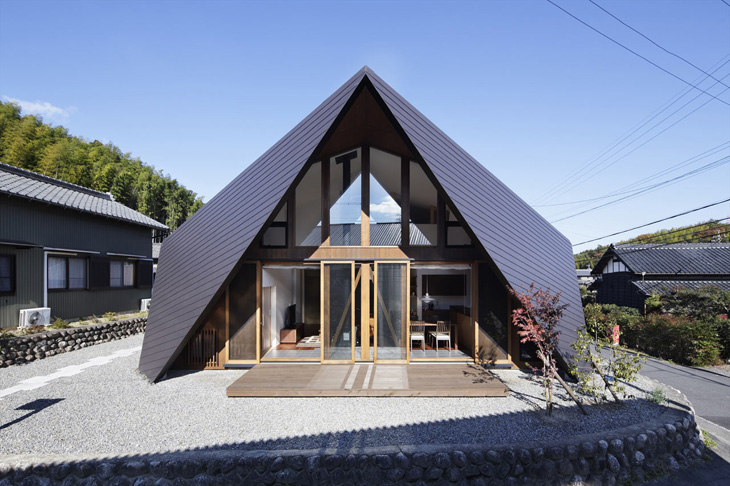 modern loft triangle house tsc architect in japan (1)