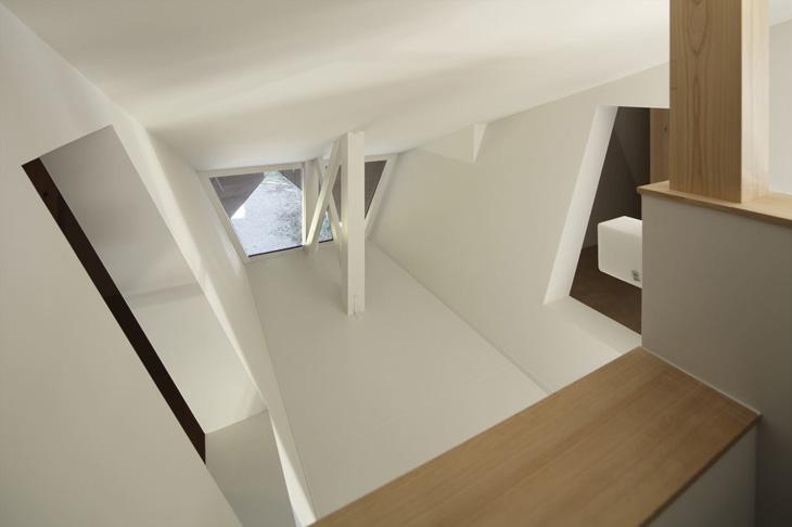 modern loft triangle house tsc architect in japan (12)