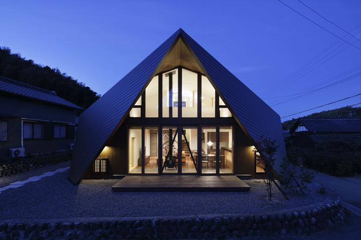 modern loft triangle house tsc architect in japan (13)