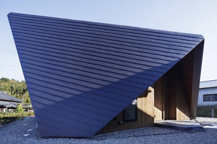 modern loft triangle house tsc architect in japan (3)
