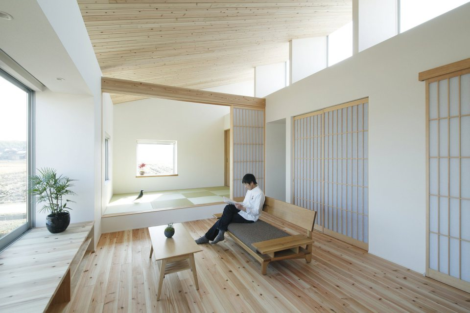 modern serene japanese house with bright white wooden interior (10)