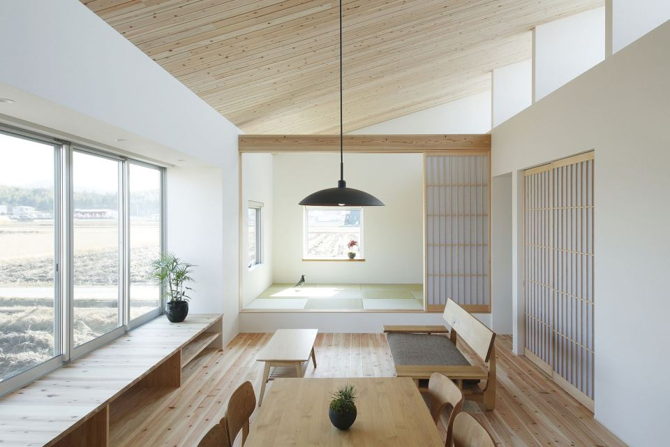 modern serene japanese house with bright white wooden interior (11)