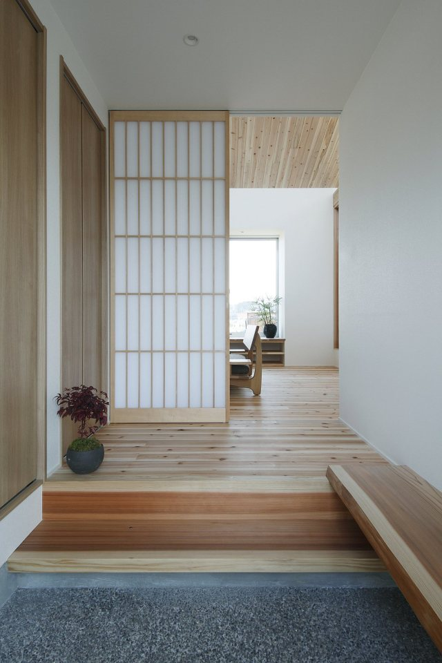 modern serene japanese house with bright white wooden interior (3)