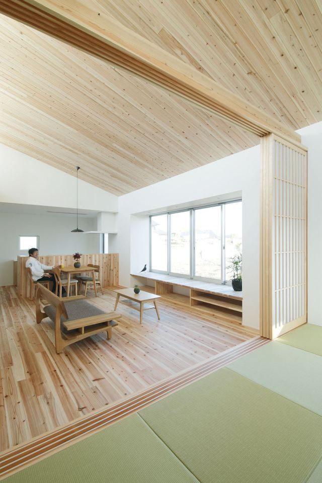 modern serene japanese house with bright white wooden interior (5)