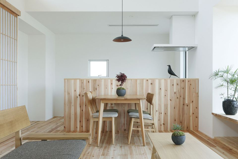 modern serene japanese house with bright white wooden interior (8)