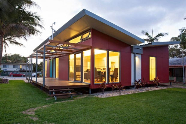 modern tropical house for small family (2)