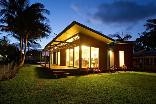 modern tropical house for small family (9)