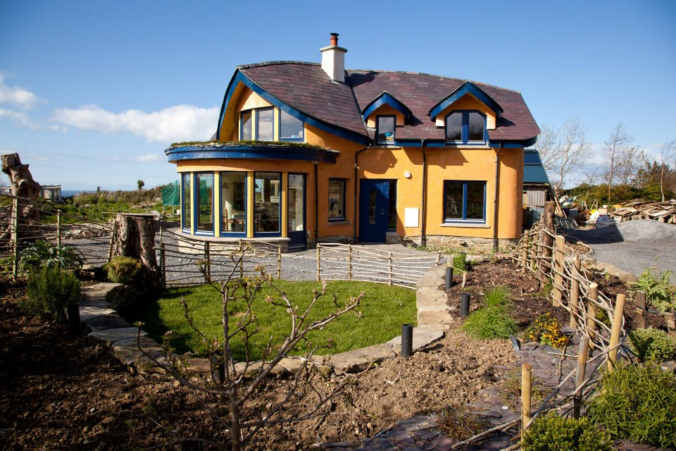 mud-and-wood-house-1