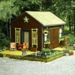 กระท่อมไม้หลังเล็กจากไม้เก่า พร้อมกับสวนสวยๆรอบบ้าน สร้างบรรยากาศแห่งการพักผ่อน