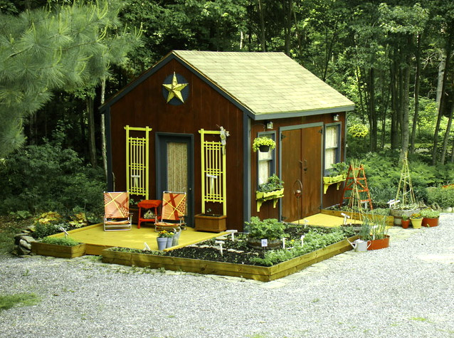 shed-house-idea-small-mini-with-garden