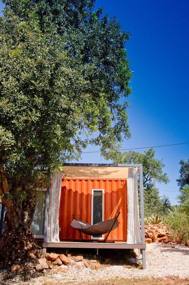 studio-arte-nomad-living-exterior4-via-smallhousebliss