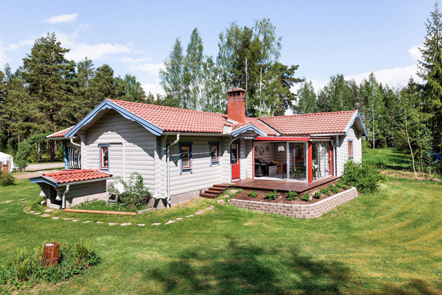 swedish wooden cottage country house  (1)