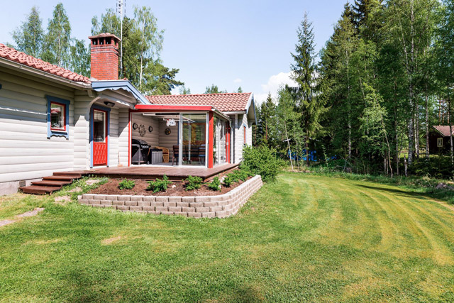 swedish wooden cottage country house  (4)