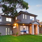 บ้านสองชั้นแบบร่วมสมัย ในงบประมาณล้านกลางๆ เติมเต็มความสุขให้ครอบครัว