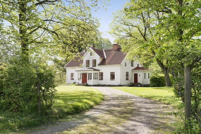 two storey cottage house idea (1)