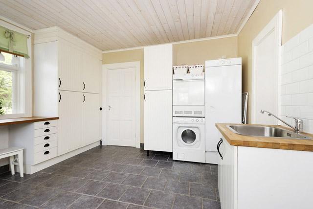 two storey cottage house idea (14)