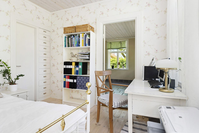two storey cottage house idea (15)