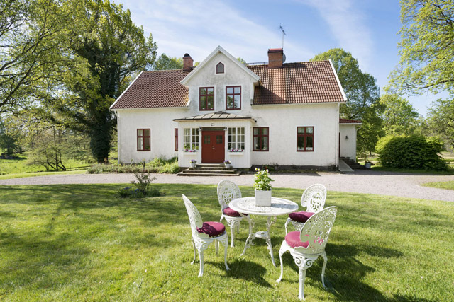 two storey cottage house idea (2)