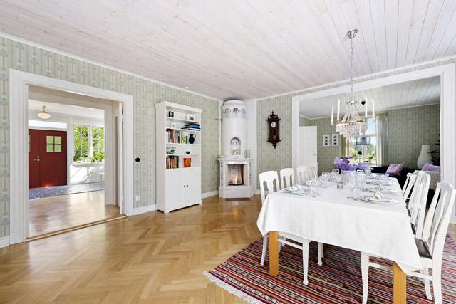 two storey cottage house idea (6)