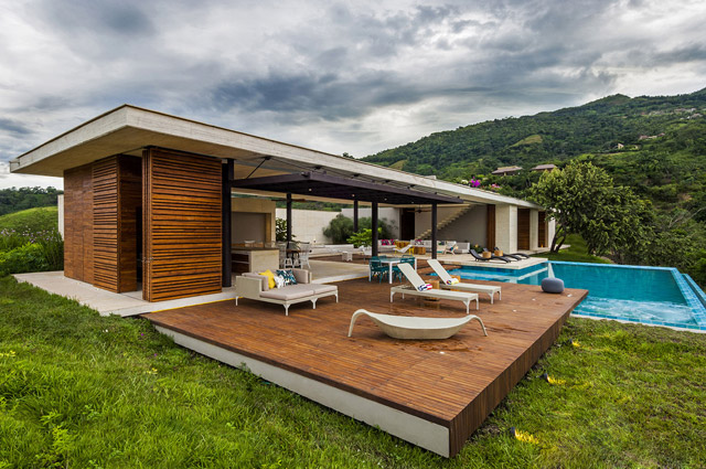 vacation house contemporary idea on columbian hill with pool (1)
