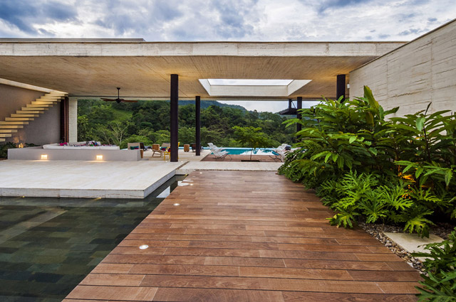 vacation house contemporary idea on columbian hill with pool (11)