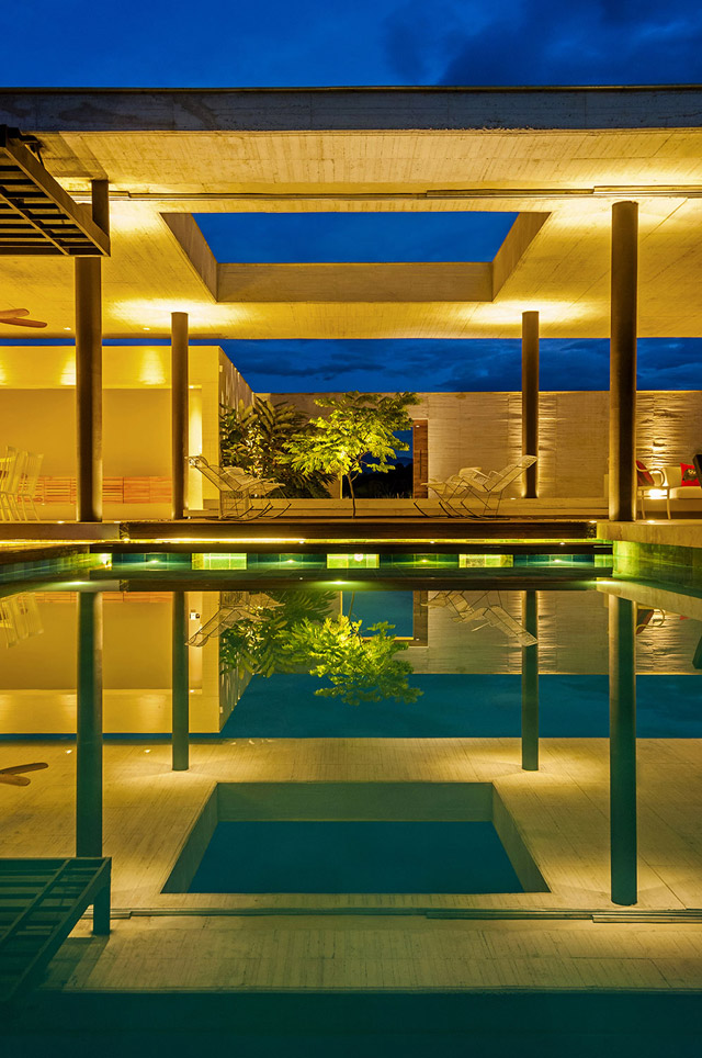 vacation house contemporary idea on columbian hill with pool (20)