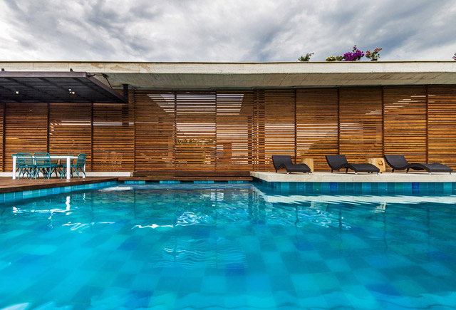 vacation house contemporary idea on columbian hill with pool (6)