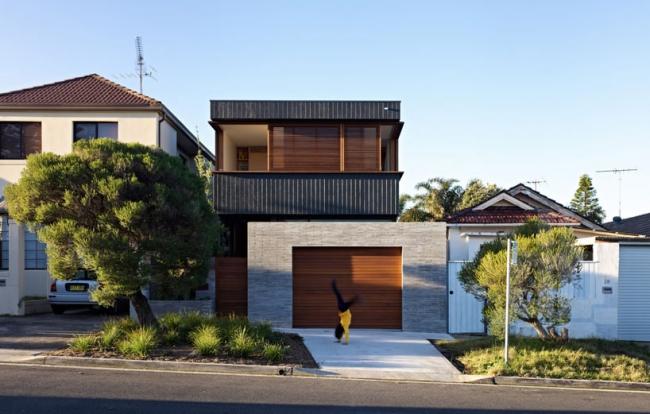 chic-beach-house-design-with-modern-interior-design-in-sydney (2)