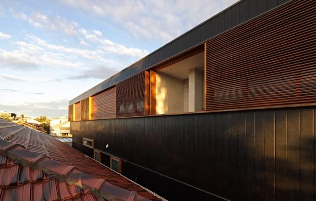 chic-beach-house-design-with-modern-interior-design-in-sydney (4)