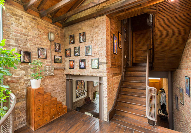 classic brick townhouse with wooden interior in london city (16)
