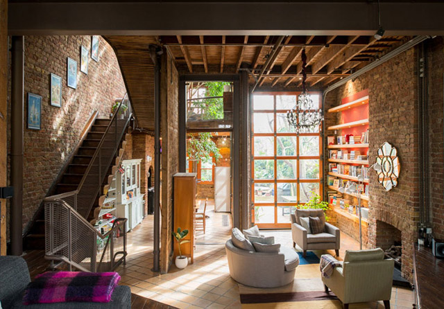 classic brick townhouse with wooden interior in london city (2)