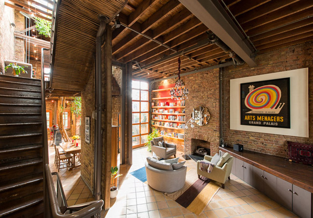 classic brick townhouse with wooden interior in london city (30)