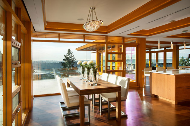 hilltop modern wooden glass house with bright elegant interior (10)