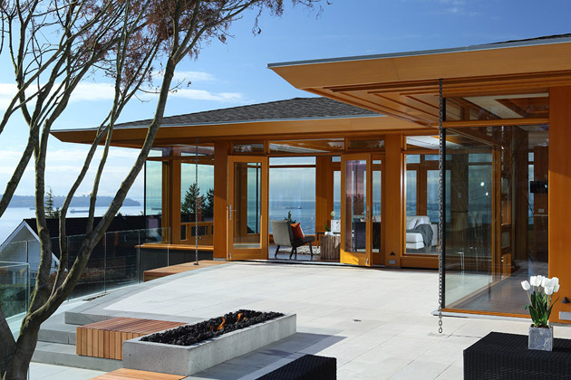 hilltop modern wooden glass house with bright elegant interior (2)