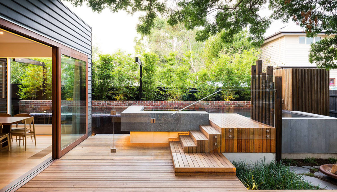 house with gardenscape and pool (2)