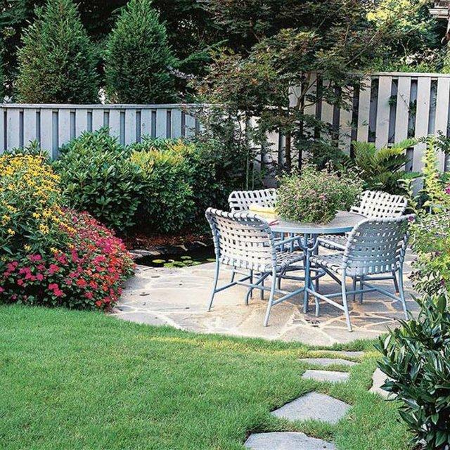 idea-for-frontyard-garden (1)
