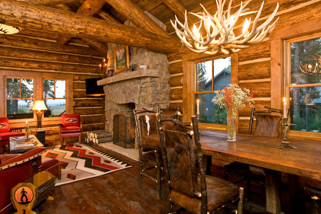 log cottage house with classical warm and cozy interior design (5)