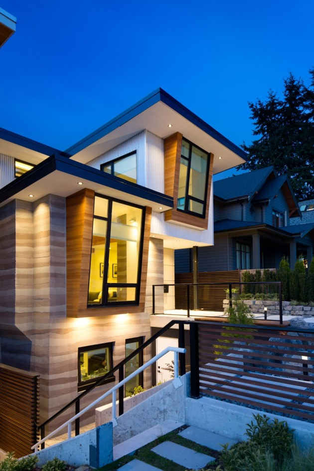modern contemporary eco friendly house with white and elegant interior in canada (4)