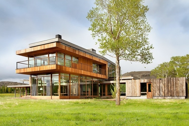 modern-farm-house-in countryside montana usa (1)