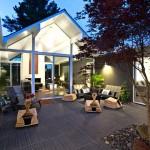 บ้านแบบโมเดิร์นชั้นเดียว บนการออกแบบที่โล่งเรียบ พร้อมพื้นที่แห่งการพักผ่อน