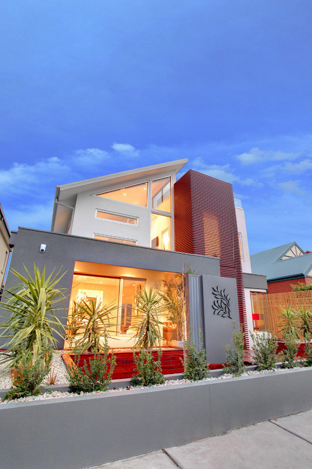 modern lean to roof house with loft interior located in big city (2)
