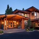 บ้านไม้สำหรับตากอากาศ ผสมแนวโมเดิร์น-รัสติค กับการแต่งภายในแบบโล่งโปร่ง