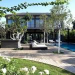 บ้านแนวโมเดิร์นร่วมสมัย แต่งภายในโล่งๆ พร้อมพื้นที่สวน พักผ่อนแสนสงบนอกบ้าน