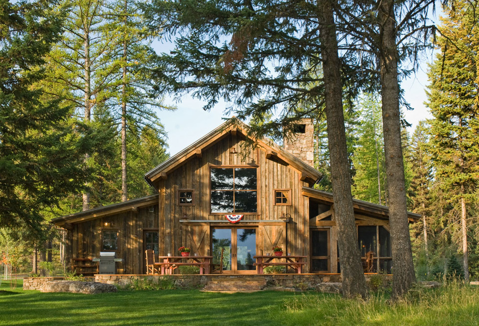 montana-mountain-barn-retreat for family vacation (1)