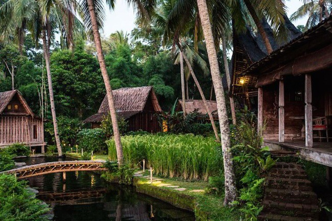 nature resort with classical idea and beautiful serene environment in bali (10)