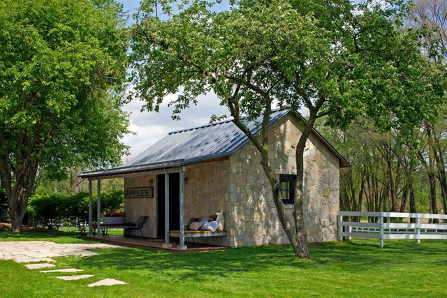 small stone cottage house in countryside with country lifestyle (1)