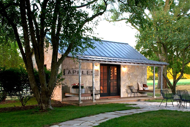 small stone cottage house in countryside with country lifestyle (3)